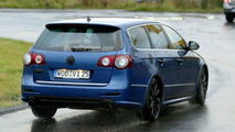 SPY PHOTOS: VW Passat R 36 Estate
