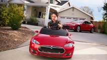 Miniature Tesla Model S for kids costs $500 [video]