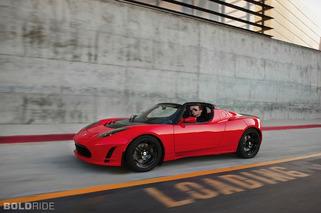 Next-Gen Tesla Roadster to Improve on Efficiency, Power