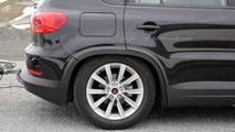2016 Volkswagen Tiguan mule spy photo