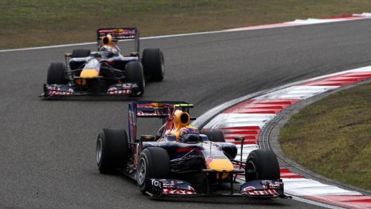Mark Webber (AUS), Red Bull Racing, RB6 leads Sebastian Vettel (GER), Chinese Grand Prix, 18.04.2010 Shanghai, China