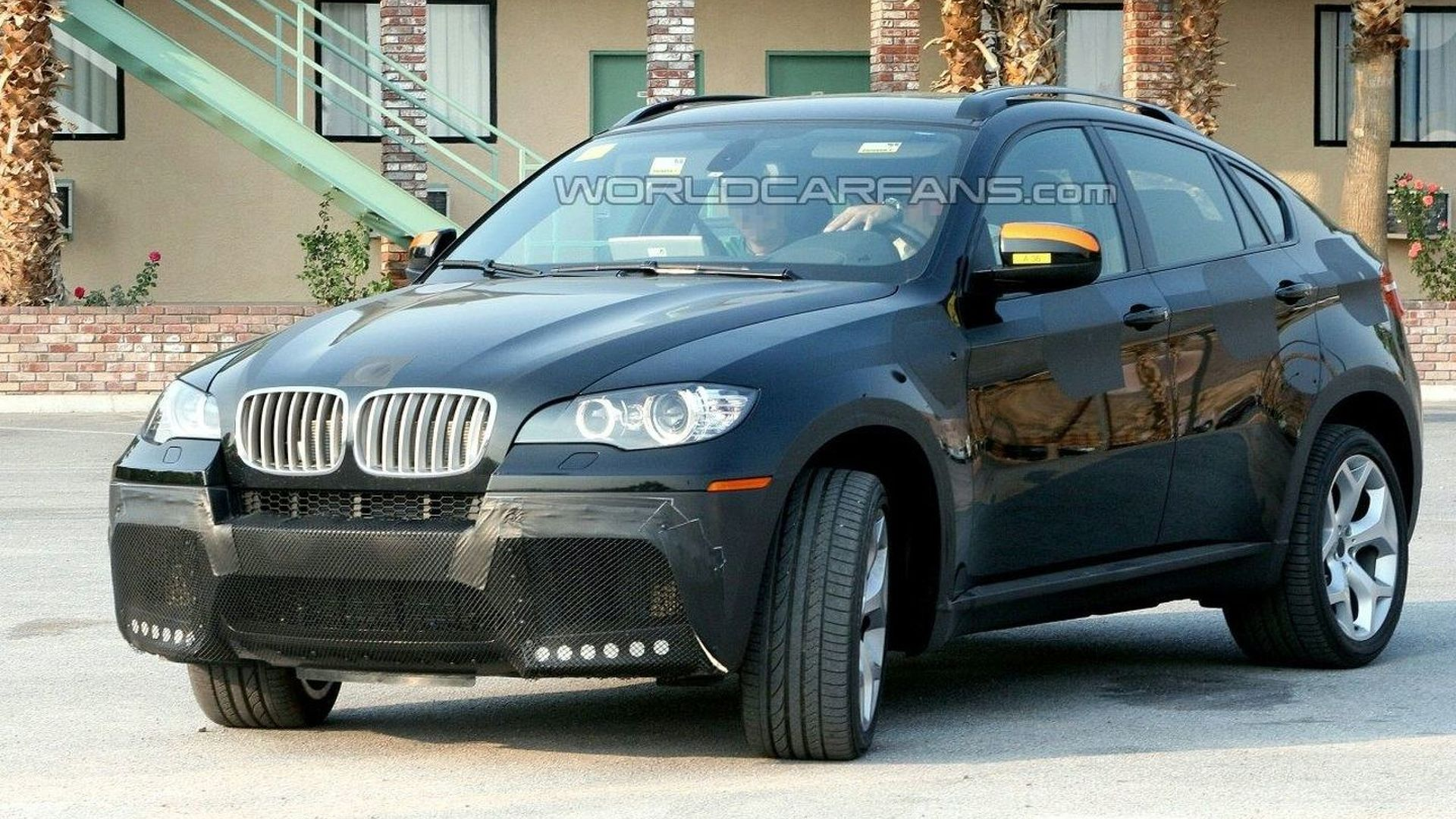 m version of bmw x6 spotted. Black Bedroom Furniture Sets. Home Design Ideas