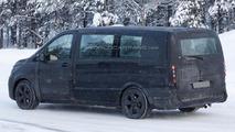 2014 Mercedes Viano spy photo 22.2.2013