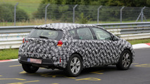 2015 / 2016 Toyota Auris Cross spy photo