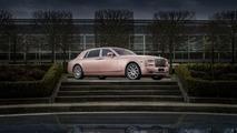 Rolls-Royce shows off Sunrise Phantom Extended Wheelbase