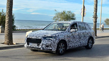 2015 Audi Q7 spied next to European beaches