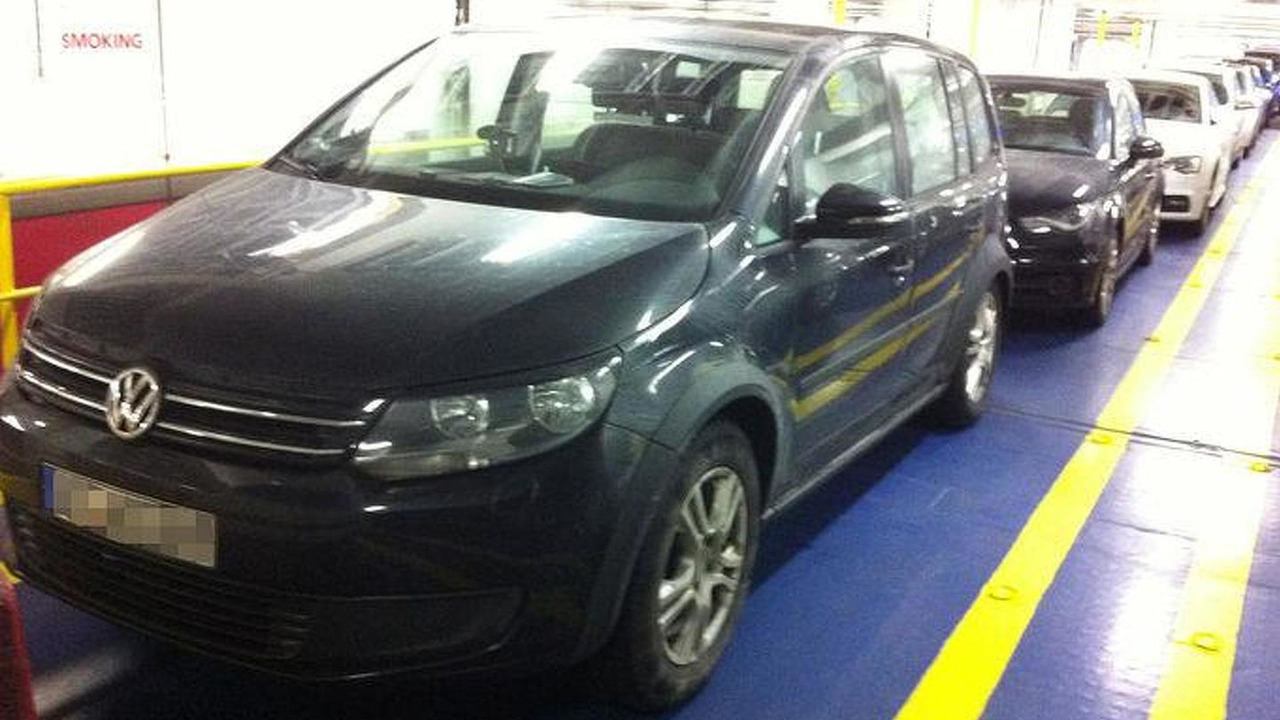 2014 Volkswagen Touran spy photo