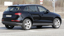 2013 Audi Q5 facelift spied with minimal disguise