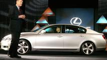 Third-Generation GS Luxury Sports Sedan Brings New Lexus Design to Market