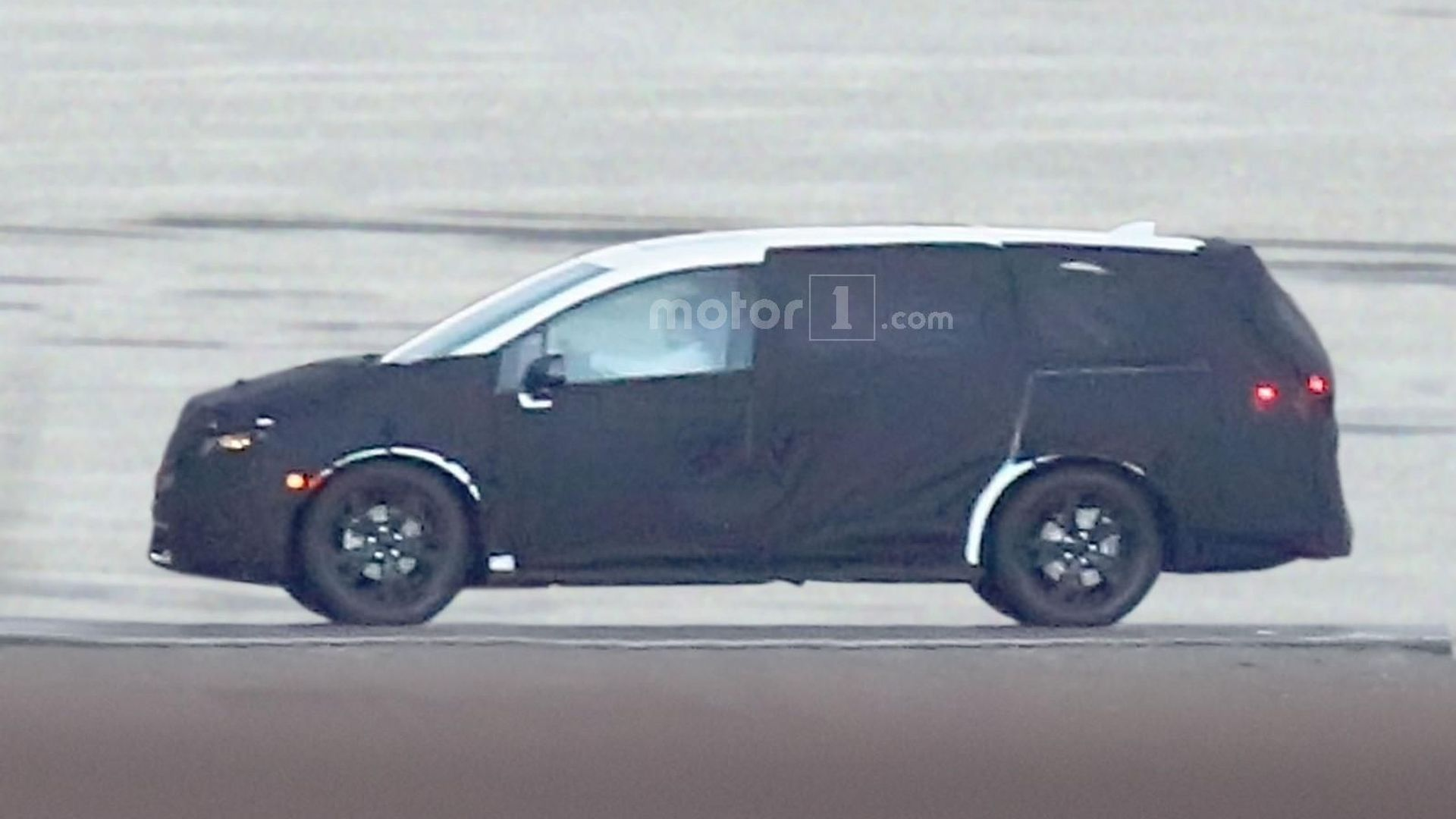 2017 honda odyssey spied for the first time. Black Bedroom Furniture Sets. Home Design Ideas