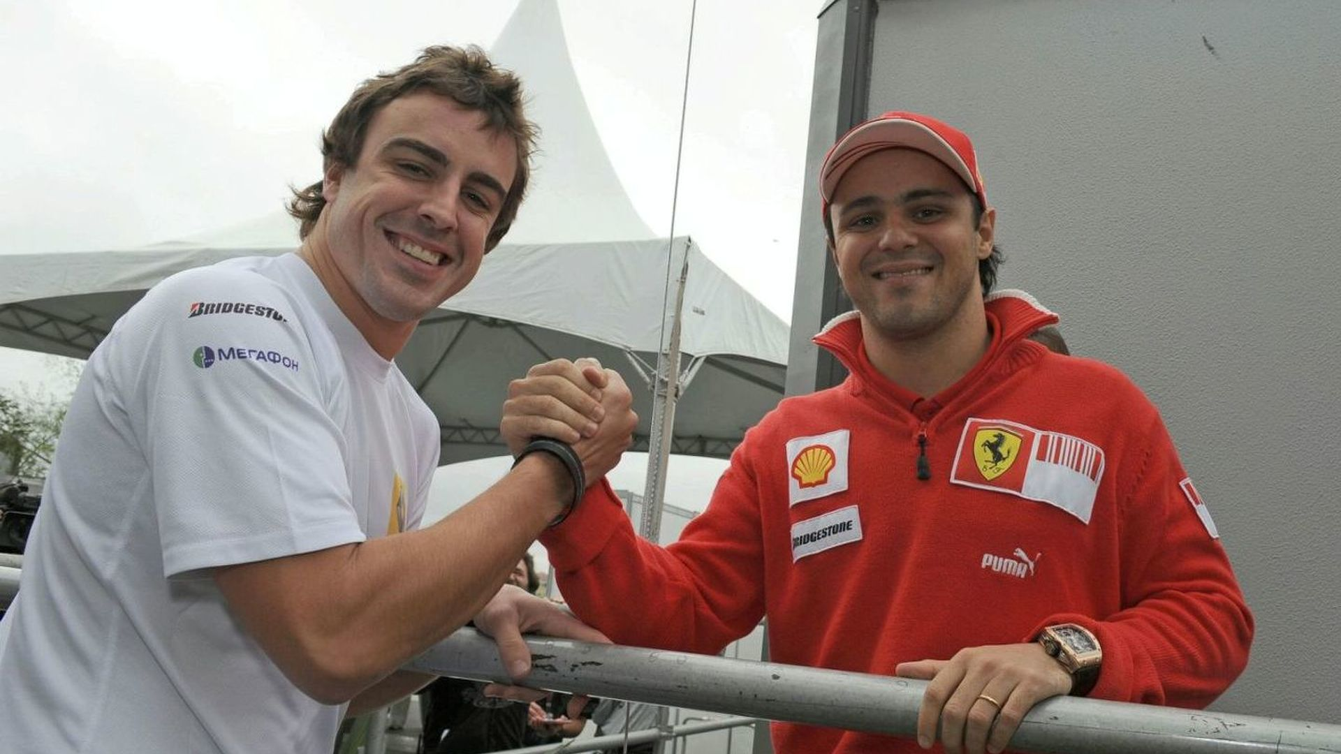 No sparks as Alonso meets with Massa