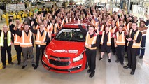 Ford Falcon, Holden Cruze production ends
