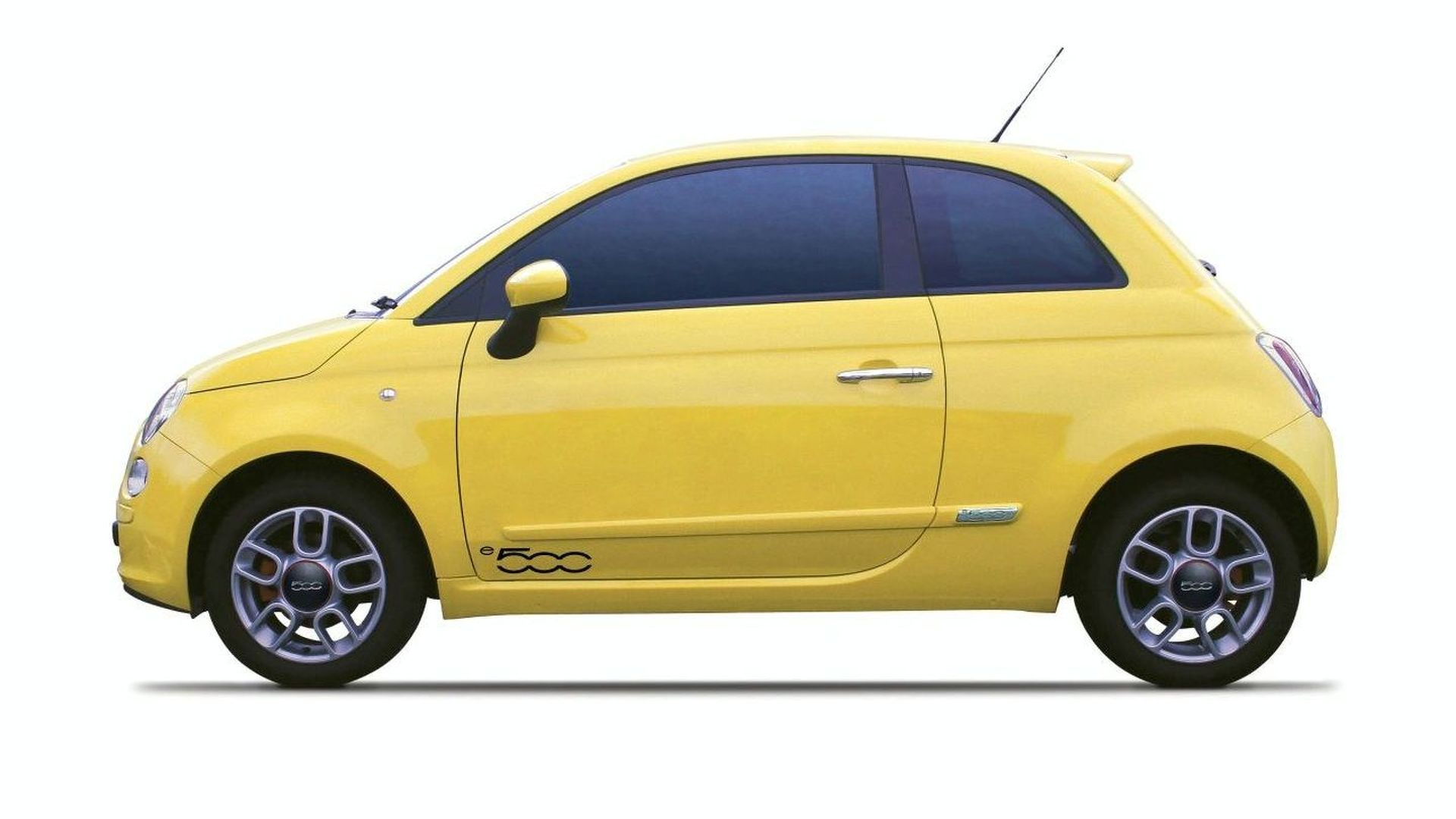 NICE Debuts All-Electric Fiat 500 at BIMS