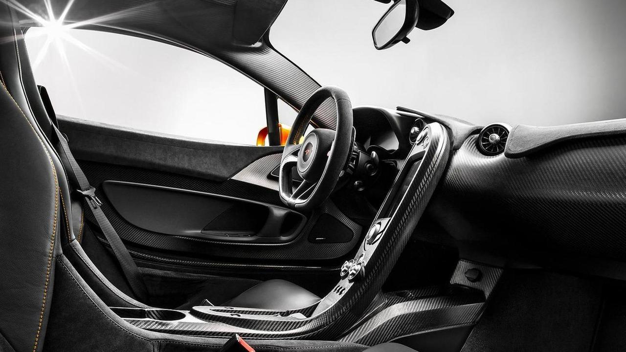 2013 McLaren P1 interior photo