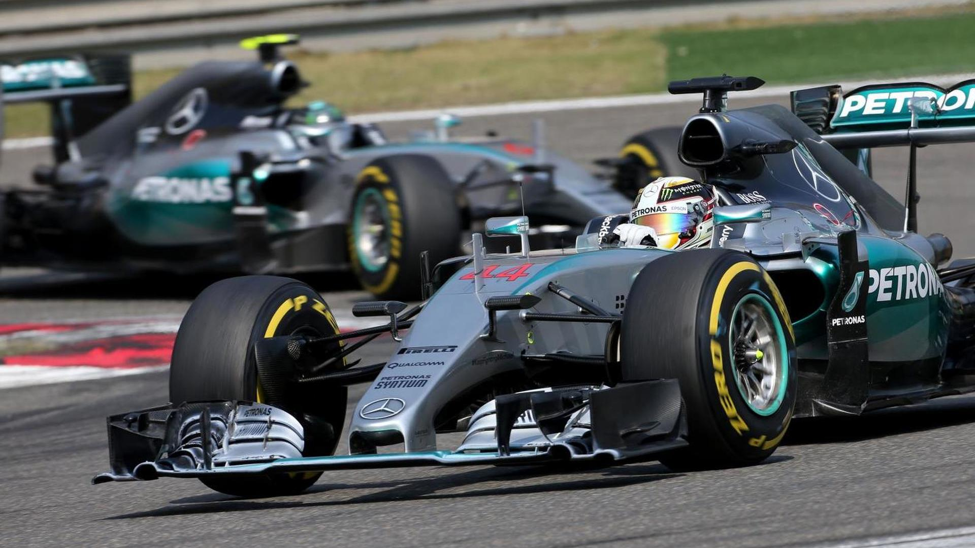 Mercedes expecting two-horse race in 2015