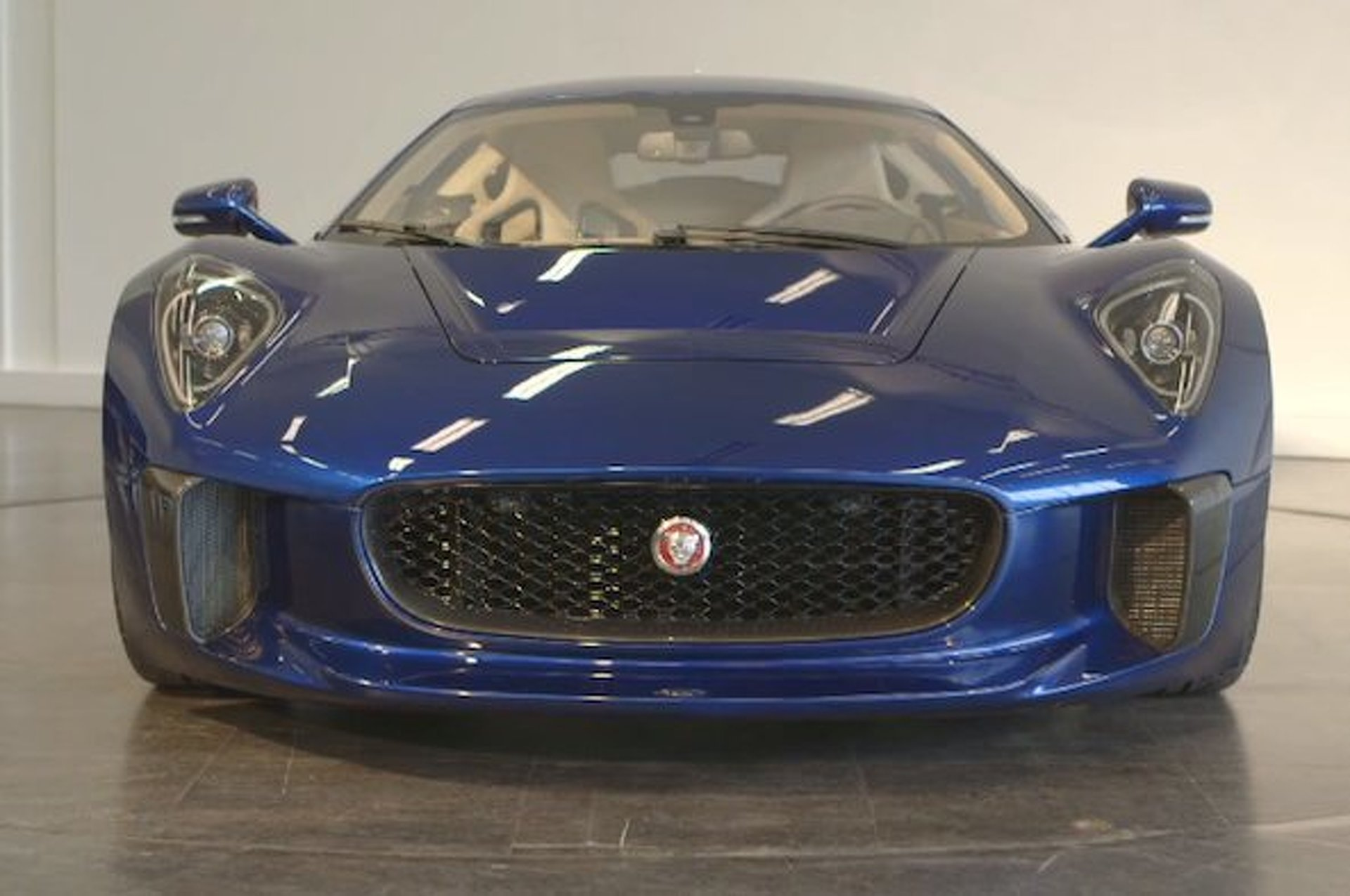Autocar Drives Jaguar's C-X75 Hypercar [video]