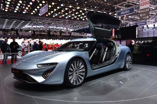 Geneva: 900HP Quant e-Limousine Showcases Advanced Flow-Cell Battery