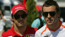 It's official: Alonso joins Ferrari for 2010