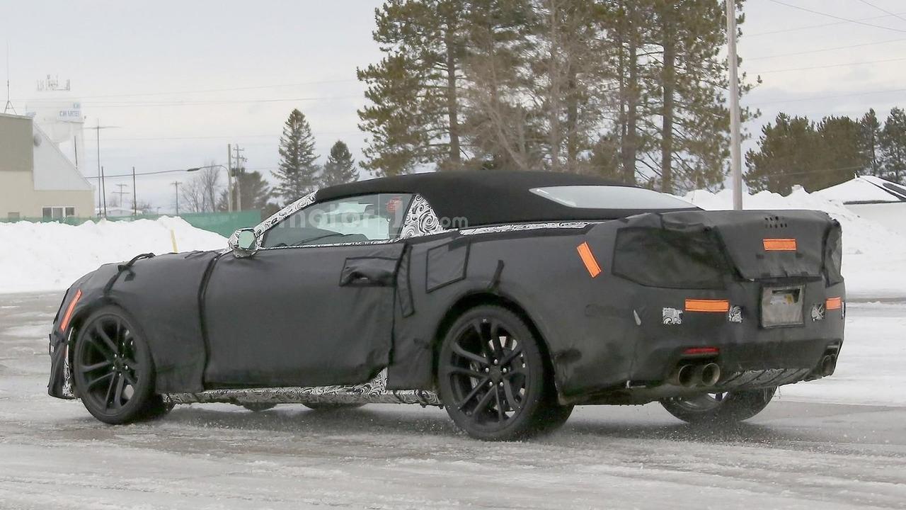 Chevy Camaro ZL1 Convertible spy photo