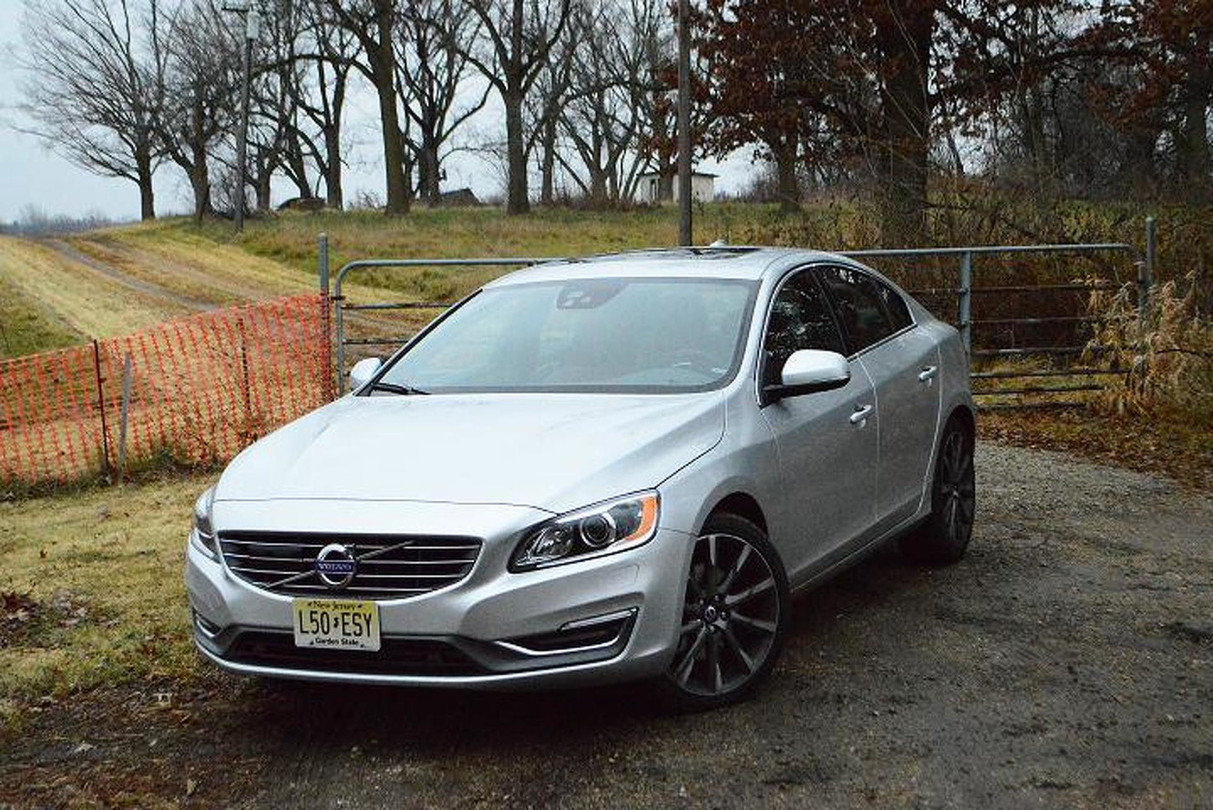 volvo s60 t5 is a little slice of swedish heaven review. Black Bedroom Furniture Sets. Home Design Ideas