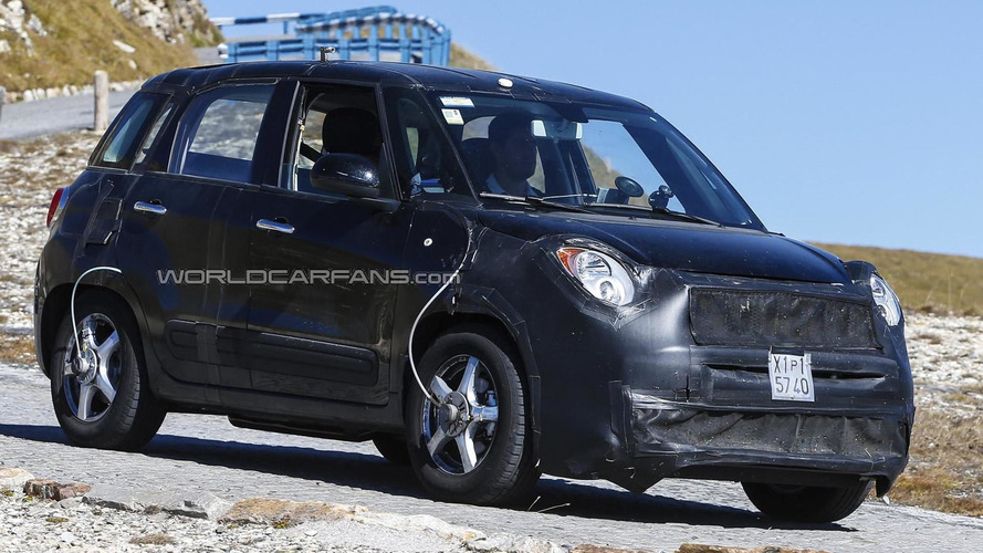 Fiat 500X / Jeep Junior mule caught testing