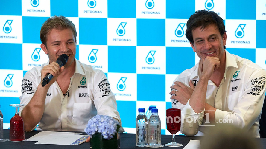 F1 world champion Rosberg says he was too scared to tell Wolff face-to-face about retirement