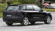 2015 Volkswagen Touareg facelift spied for the first time