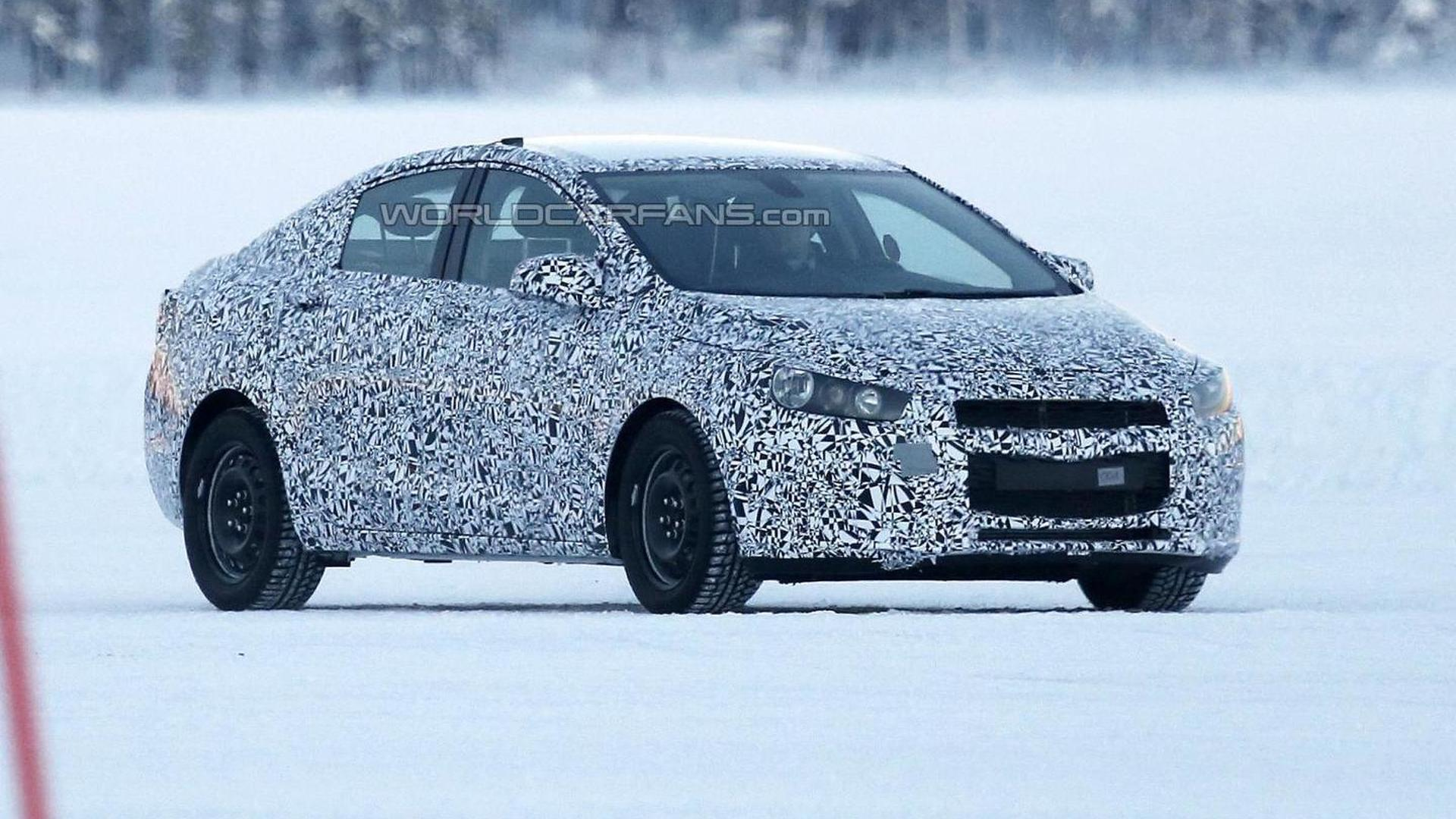 Next-gen Chevrolet Cruze spied for the first time