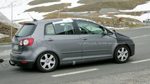 VW Golf Plus Facelift Spied in Switzerland