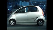 Tata Nano pode ganhar câmbio automático CVT