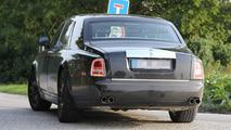 Rolls-Royce Phantom successor spy photo