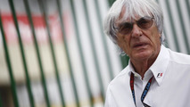 Ecclestone vows to work to end F1 crisis