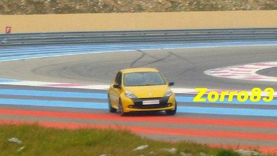 Renault Clio RS Facelift Spotted on Track