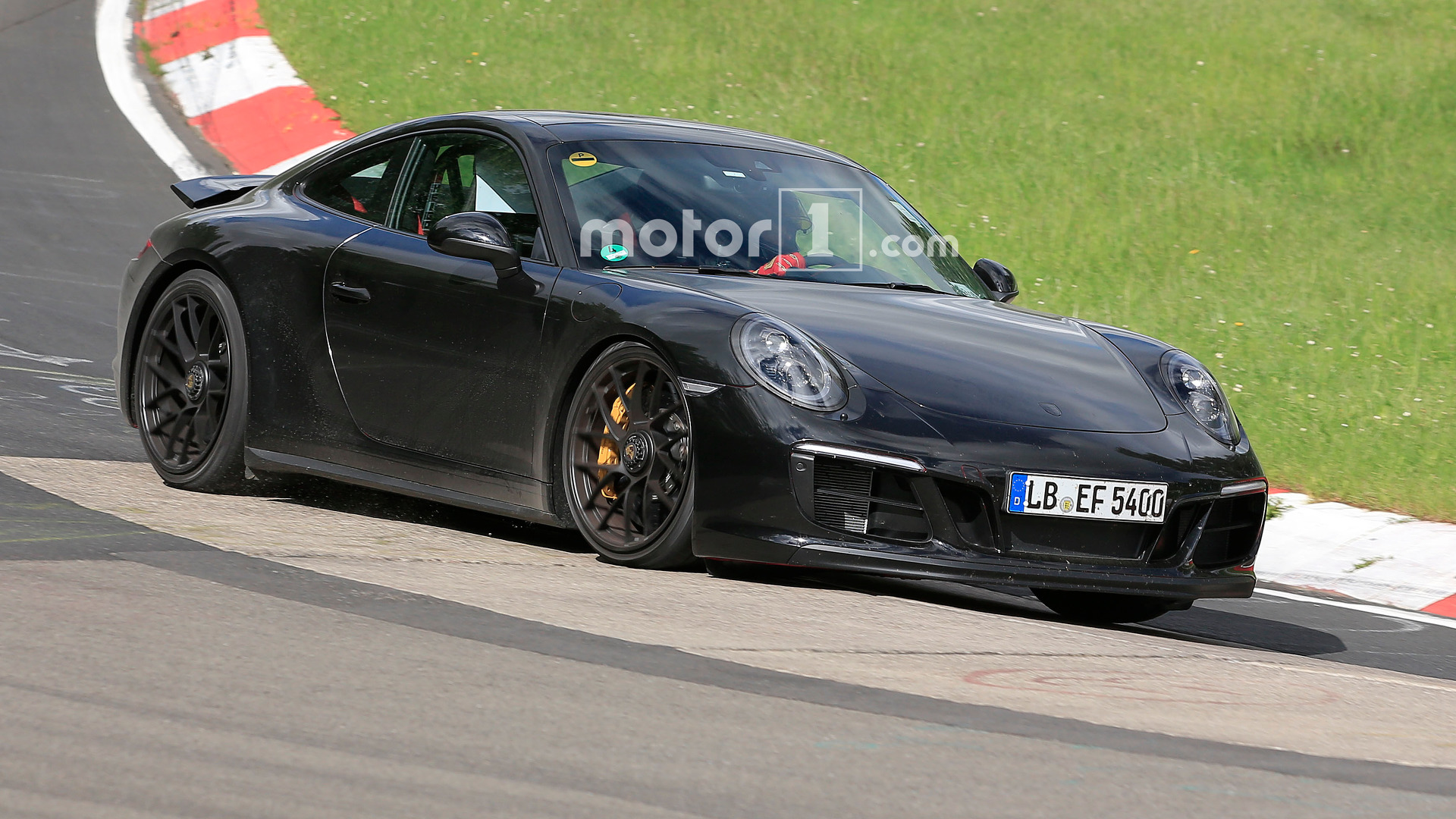 Porsche 911 GTS spied again on the Nurburgring