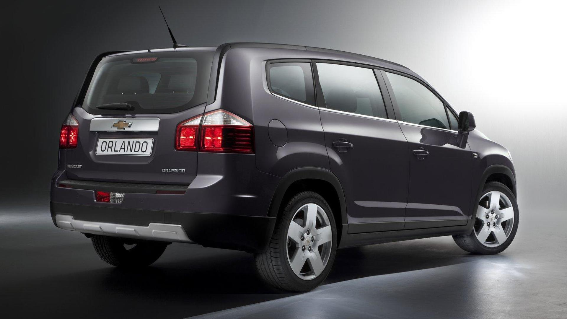 Chevrolet Orlando revealed ahead of Paris debut