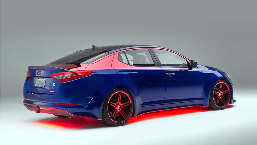 Superman-themed Kia Optima Hybrid debuts in Chicago