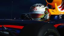Vettel extends Red Bull deal through 2011
