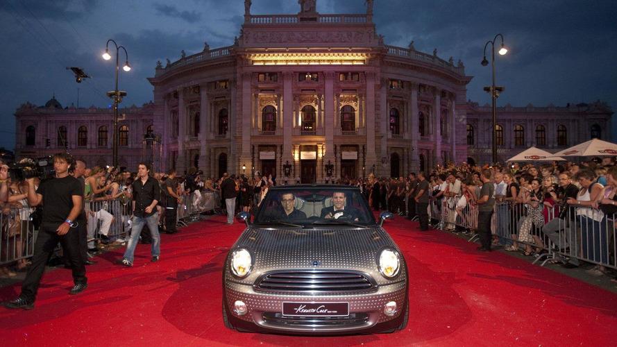 Life Ball MINIs 2010 debut at Vienna's City Hall Square