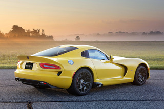 Dodge Recalls Viper for Airbag Flaw