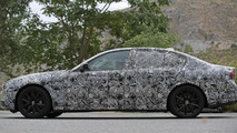 2017 BMW 5-Series plug-in hybrid spy photo