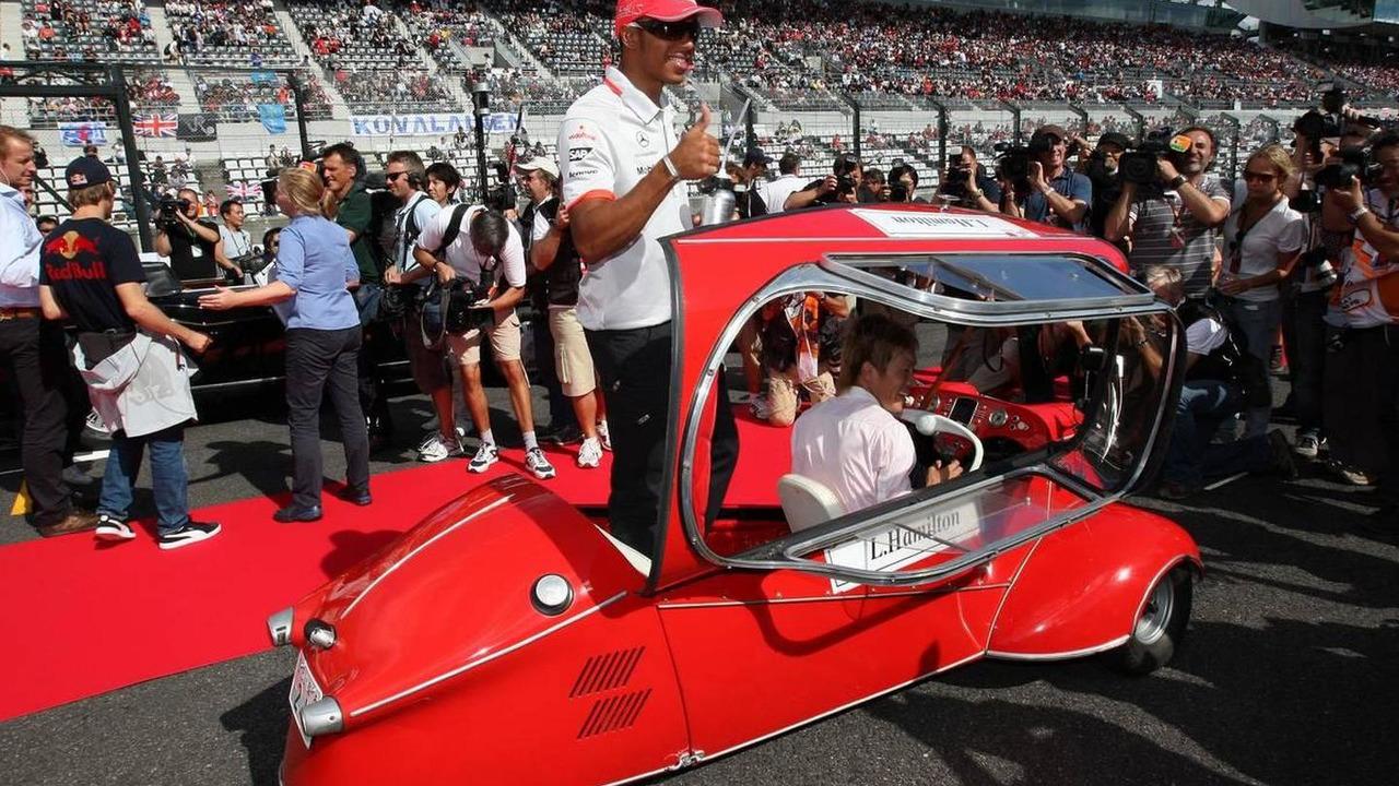 Lewis Hamilton (GBR), McLaren Mercedes - Formula 1 World Championship, Rd 16, Japanese Grand Prix, 10.10.2010 Suzuka, Japan