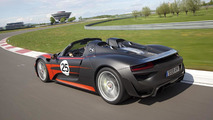 Porsche 918 Spyder gets detailed