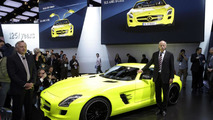 Mercedes SLS AMG E-Cell prototype at 2011 NAIAS