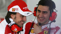Alonso happy with other teams' disputes