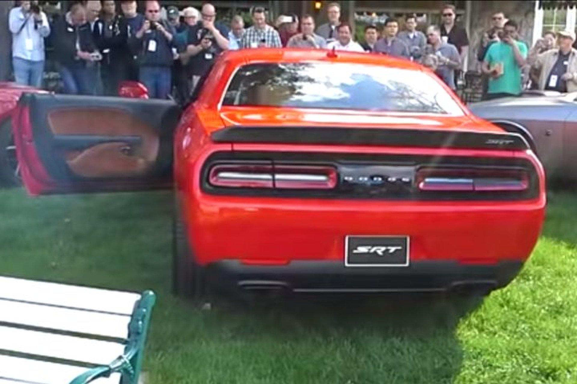 Dodge Challenger SRT Hellcat is Loud as Hell [Videos]