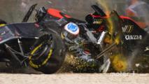 Fernando Alonso, McLaren MP4-31 in a huge crash