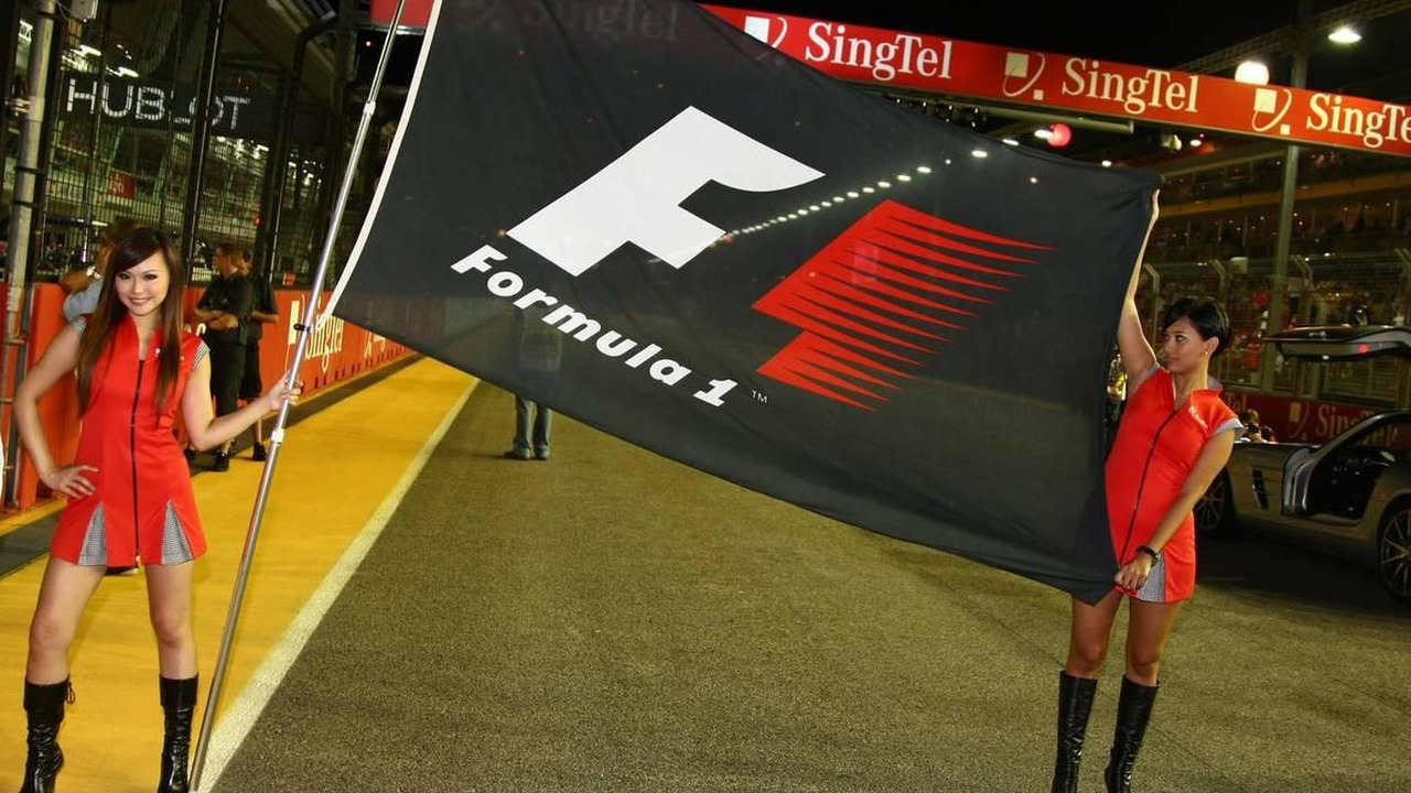 Grid girl - Formula 1 World Championship, Rd 15, Singapore Grand Prix, Sunday Grid Girl, 26.09.2010