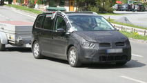 Next Gen VW Touran MPV Mule First Spy Photos