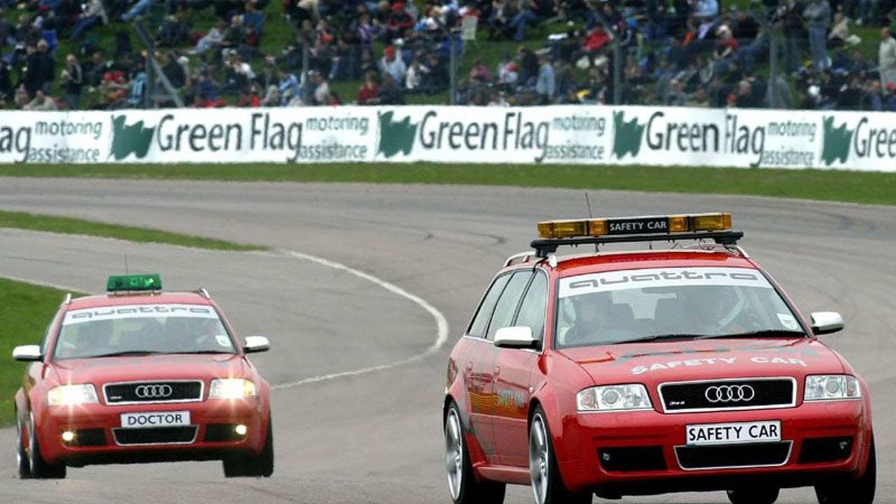 Audi RS6 Avants on track for BTCC