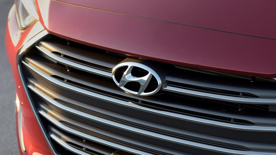 Hyundai equipa Elantra com versão própria do Android Auto